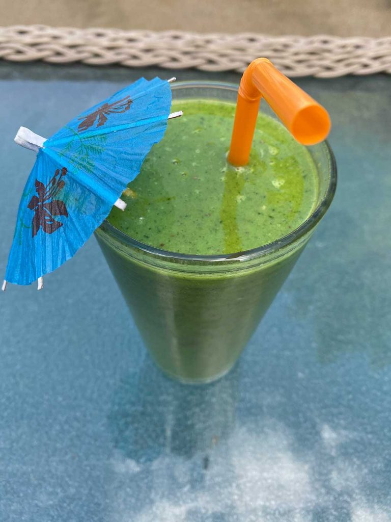Tropical Spicy Green Smoothie